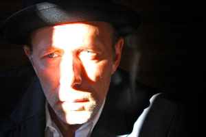 Greg Humphreys plays Simcha in DOBRA OJCA.